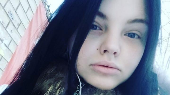 «Ее должны были довезти до дома»: подруга 19-летней Яны Смирновой — о том, что было в день убийства
