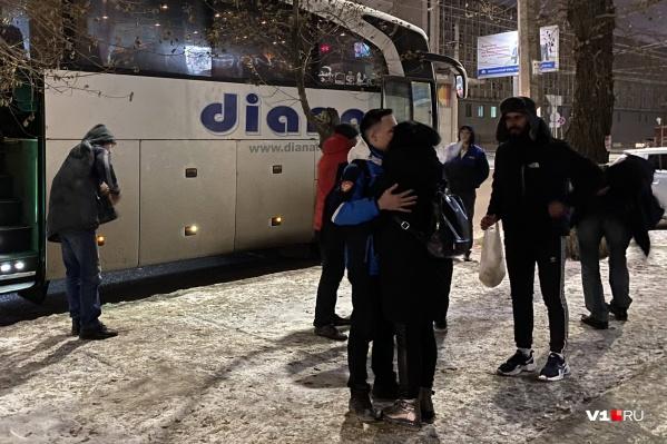 В Волгоград приехали 11 уцелевших пассажиров