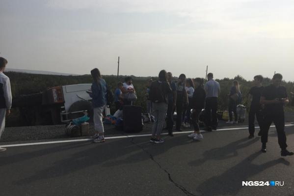 В автобусе было 18 пассажиров, пятеро получили травмы