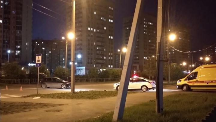 Пьяный бесправник устроил аварию в Зареке. Машину он угнал