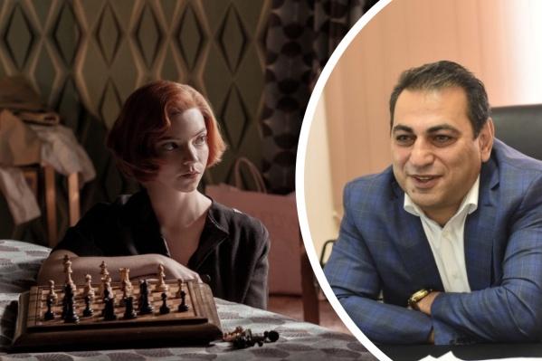 По сюжету сериала, главная героиня начала играть в шахматы в девять лет и стала лучшей в мире, обыгрывая мужчин