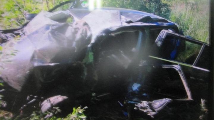Школьницы попали в больницу: под Ярославлем в ДТП пострадали три человека