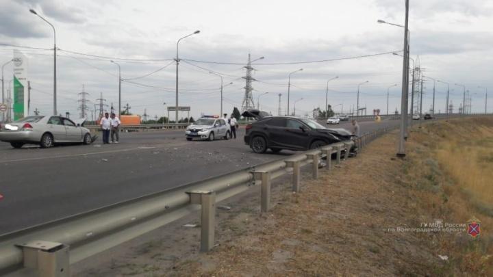 Виновнику тоже досталось: в полиции Волгограда рассказали подробности жесткого ДТП на шоссе Авиаторов