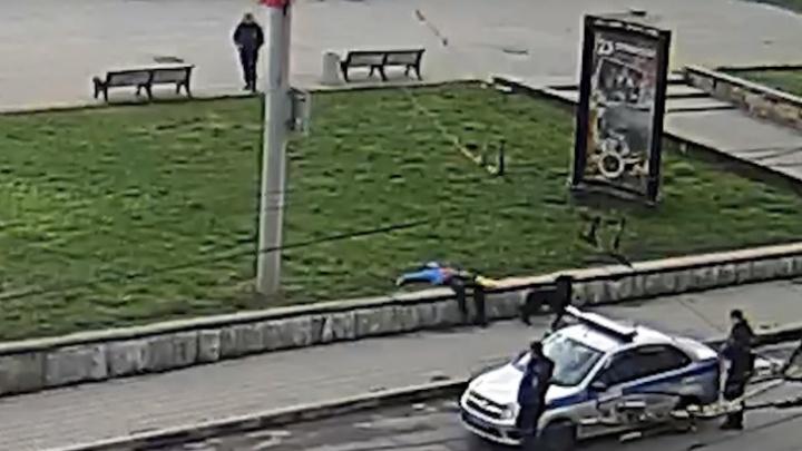 «Всё правильно сделал»: ярославцы заступились за полицейского, застрелившего собаку