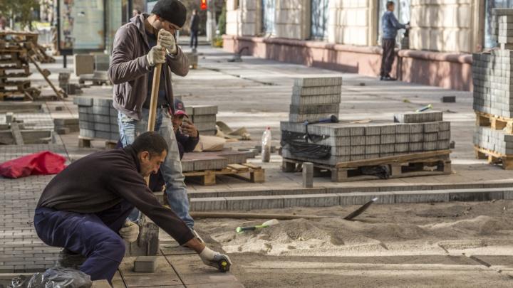 Общественники просят вернуть волгоградскую плитку на шоссе Авиаторов