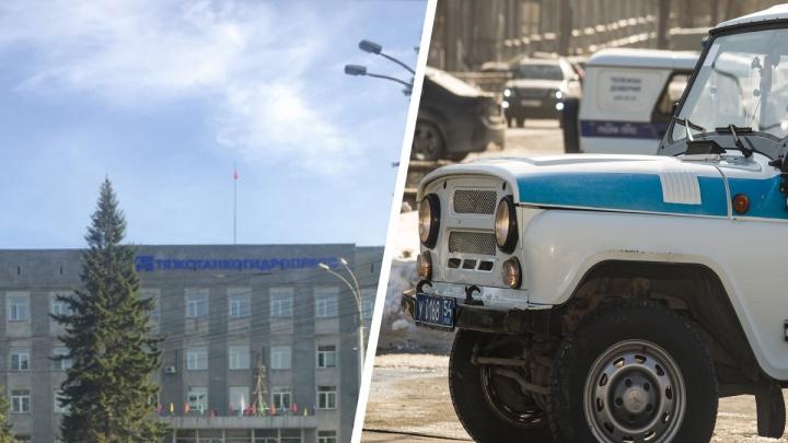 На новосибирский завод вызвали полицию — рабочие хотели устроить пикет из-за зарплаты