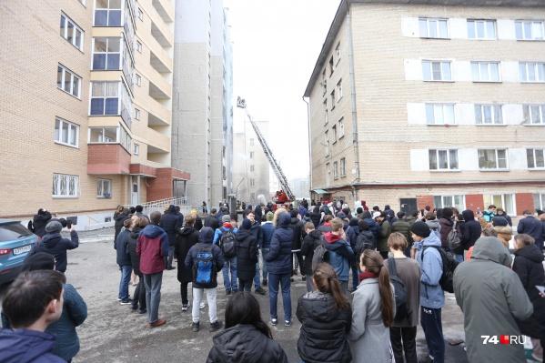 Из больницы эвакуировали пациентов, а из соседних домов — всех жильцов