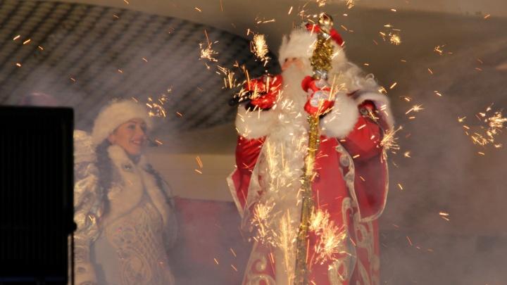 В Архангельской области запретили новогодние корпоративы и ночные гуляния с фейерверками