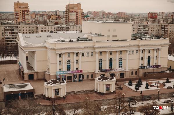 Драмтеатр переживает второе закрытие за время пандемии