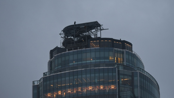 «Высоцкий» вырос на два этажа благодаря строящемуся бассейну, как в Сингапуре: фото с коптера