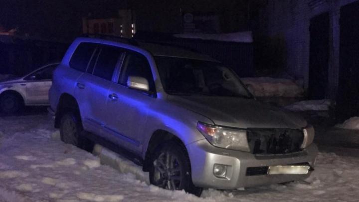 Автомобиль, на котором насмерть сбили женщину на Троицком, ранее хотели изъять судебные приставы