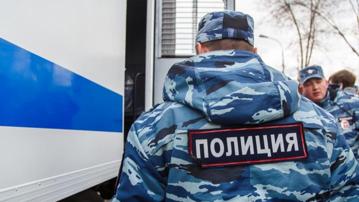 Волгоградец укусил полицейского и скрылся в Москве