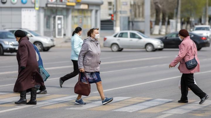 «На улице много людей»: жители Волгограда обрушили индекс самоизоляции под конец пасхального воскресенья