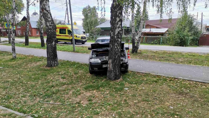 В Тюмени съехал в кювет и внезапно скончался водитель Lada