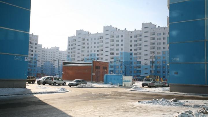 Девушка выпала из окна девятого этажа на жилмассиве «Просторный» в Кировском районе