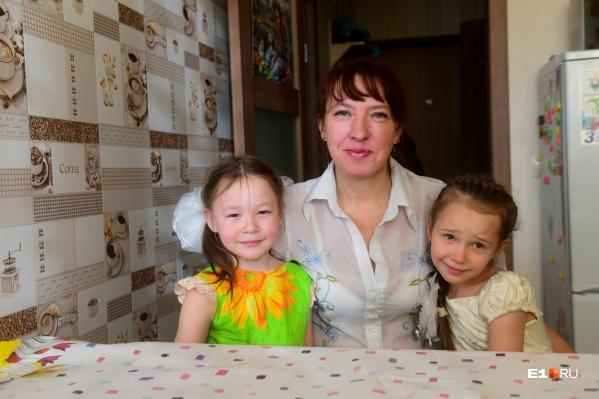В доме Екатерины вместе растут ее внучка и дочка
