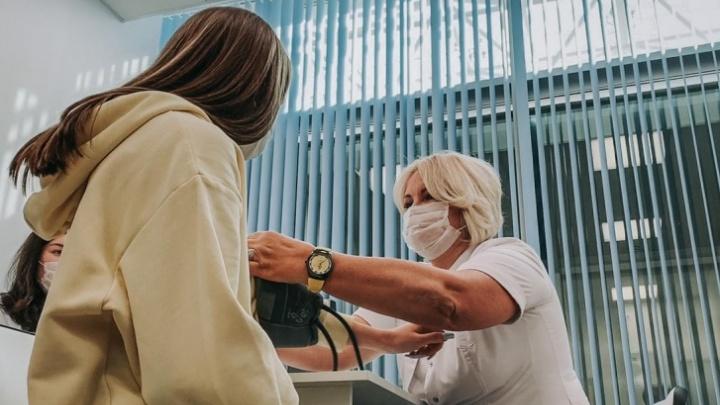 В крае формируют перечень лабораторий, которые будут делать анализ на коронавирус