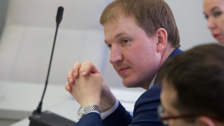 Суд вынес решение по делу депутата Титова, который за взятку обещал завысить тариф