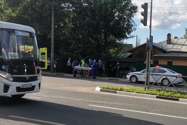 Очевидцы сообщают, что водитель машины, который наехал на велосипедиста, был пьян