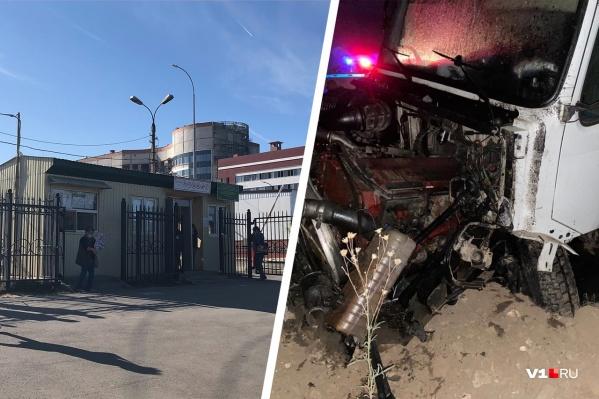 Махмуд Хаджиев вторые сутки дежурит у КПП больницы, чтобы не пропустить весточку от врачей