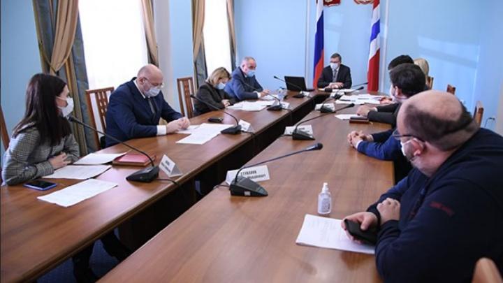 «Вы на землю спуститесь»: губернатор жестко раскритиковал работу областного Минздрава