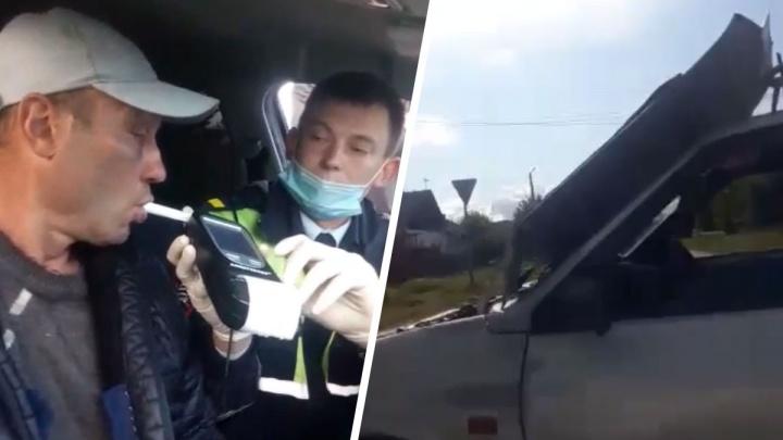 На Урале пьяного водителя, удиравшего от гаишников, затормозил открывшийся капот: видео