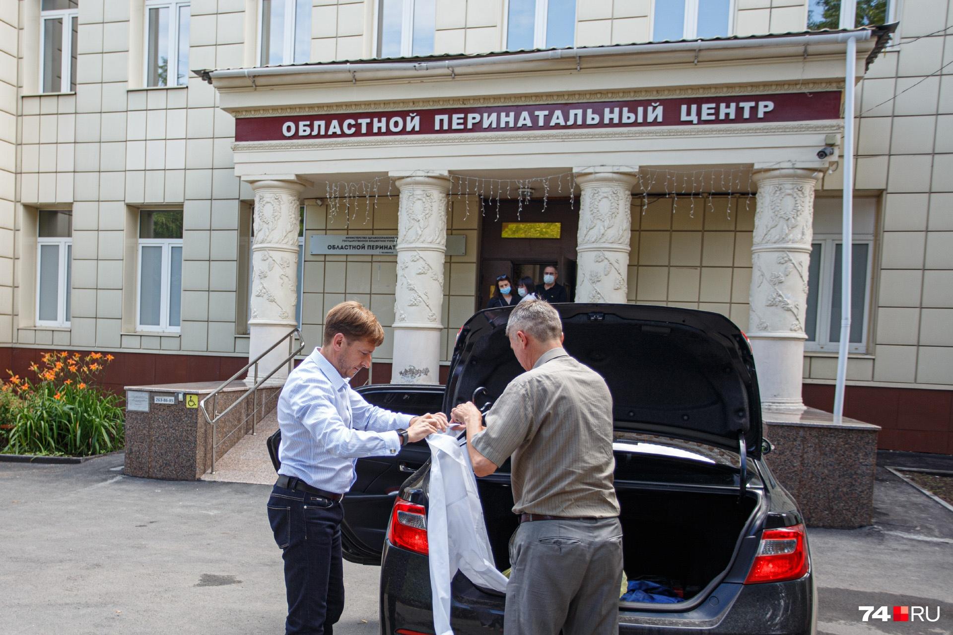 Ковидные койки в регионе не заполнены и наполовину, но Юрий Семёнов (на фото слева) уверен, что их надо ещё больше