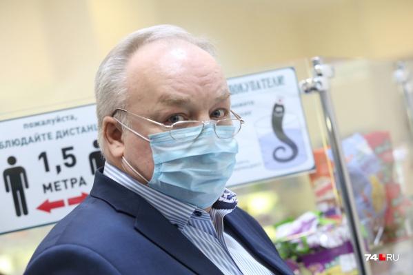Руководитель «Областного аптечного склада» Андрей Князев скачок цен на медикаменты связал с ростом их стоимости у поставщиков