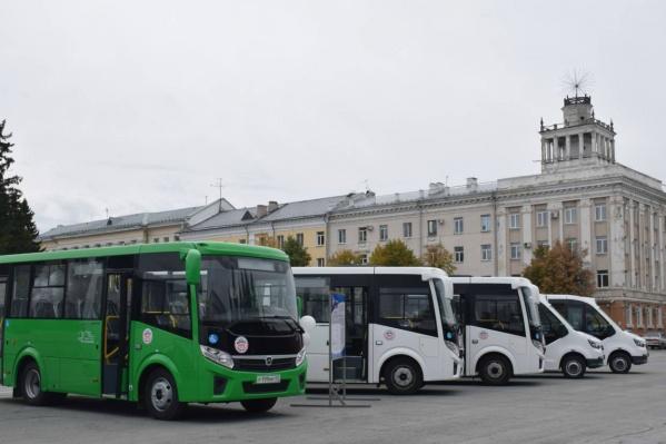 Перевозчик представил два типа автобусов