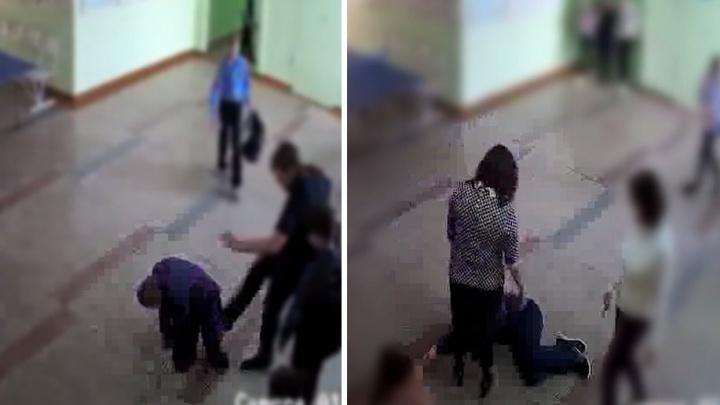 В Новосибирске драка четырёх школьников попала на видео — после неё семиклассник оказался в реанимации