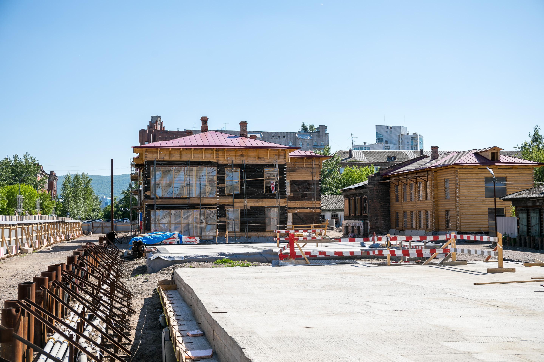 На стройплощадке Исторического квартала