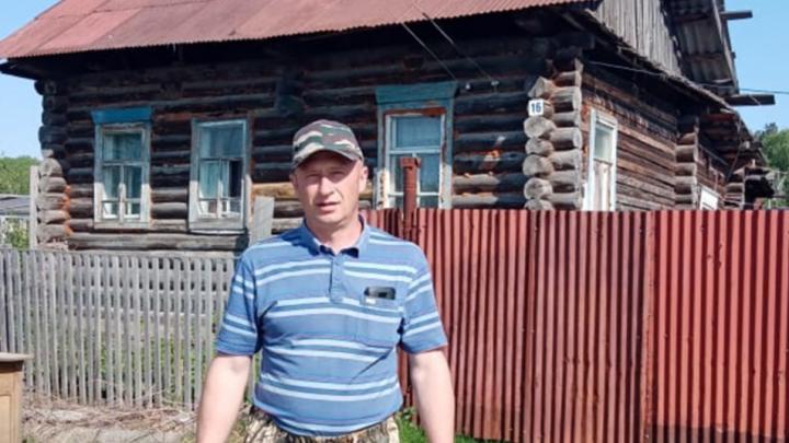 Без защитных средств и в одиночку: житель Новосибирской области вытащил инвалида из горящего дома