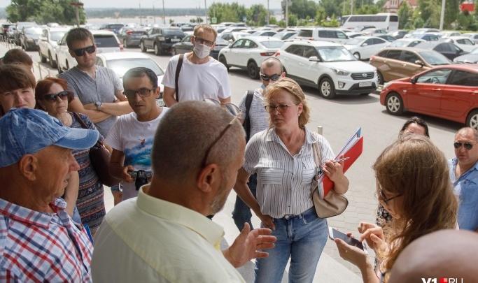«Наши мольбы никто не услышал»: обманутые дольщики Волгограда объявили о начале голодовки