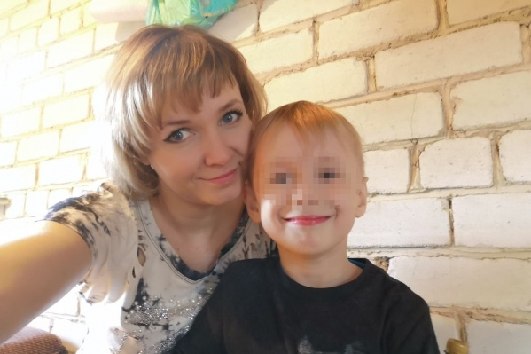 Мама мальчика надеется увидеть сына живым