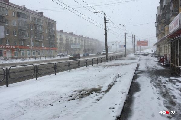 Небольшой снег в регионе уже идет