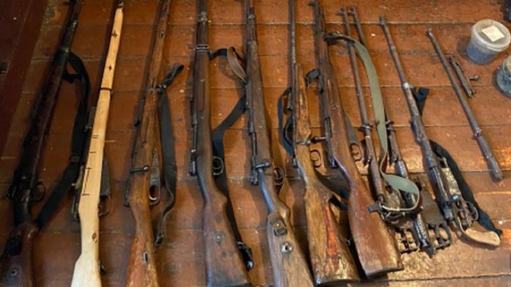 У волгоградского поисковика нашли арсенал раритетного оружия