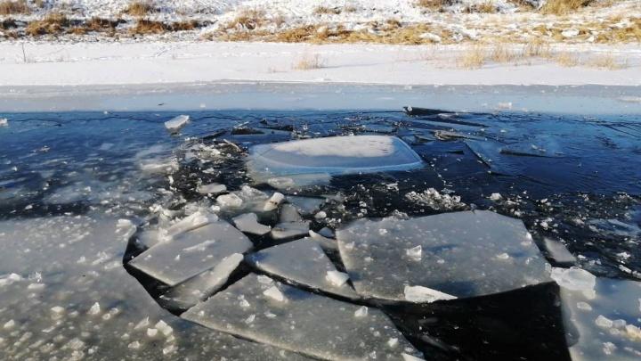 В Тюкалинском районе под лед провалилась «Нива» — водитель погиб