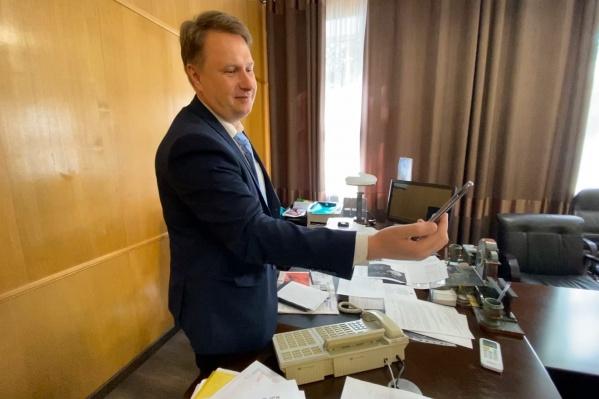 Евгений Щербаков продолжит руководить городом из дома
