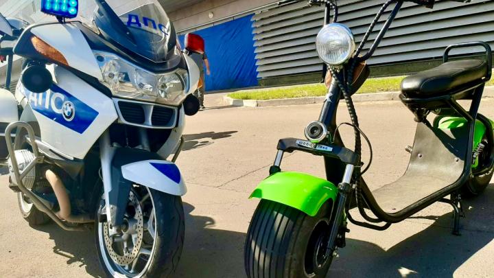 Мужчина на электроскутере на Татышеве сбил коляску с трехмесячным младенцем