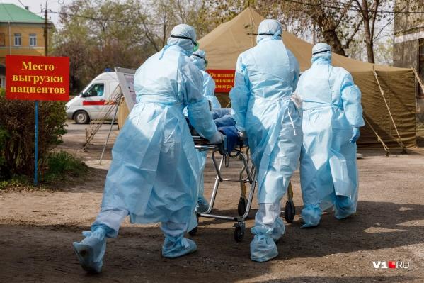 Места в инфекционных госпиталях стремительно заканчиваются