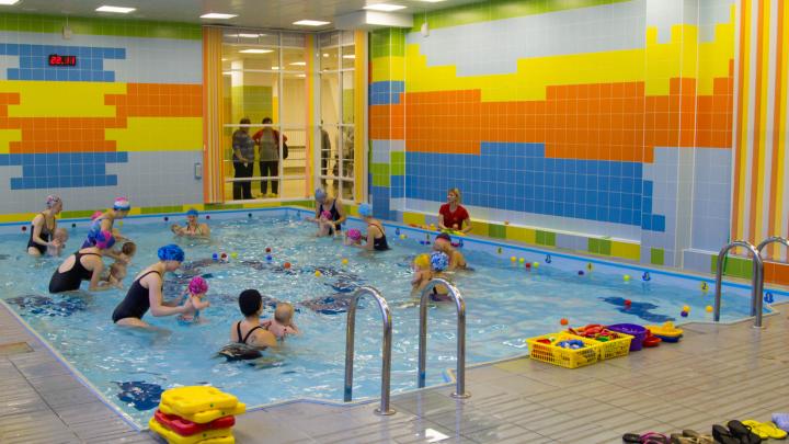 Для спортсменов, любителей и самых маленьких: какие бассейны работают в Архангельске