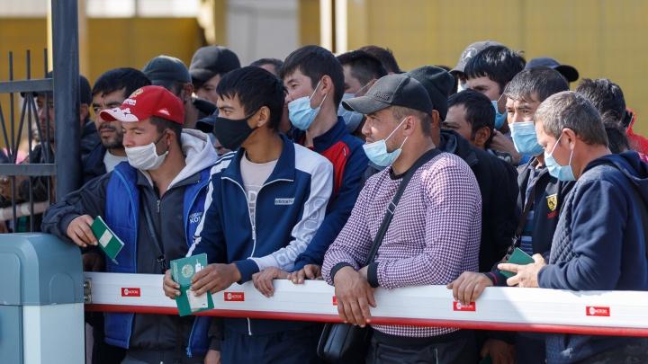 Из Волгоградской области вывезли без малого тысячу застрявших в России граждан Узбекистана