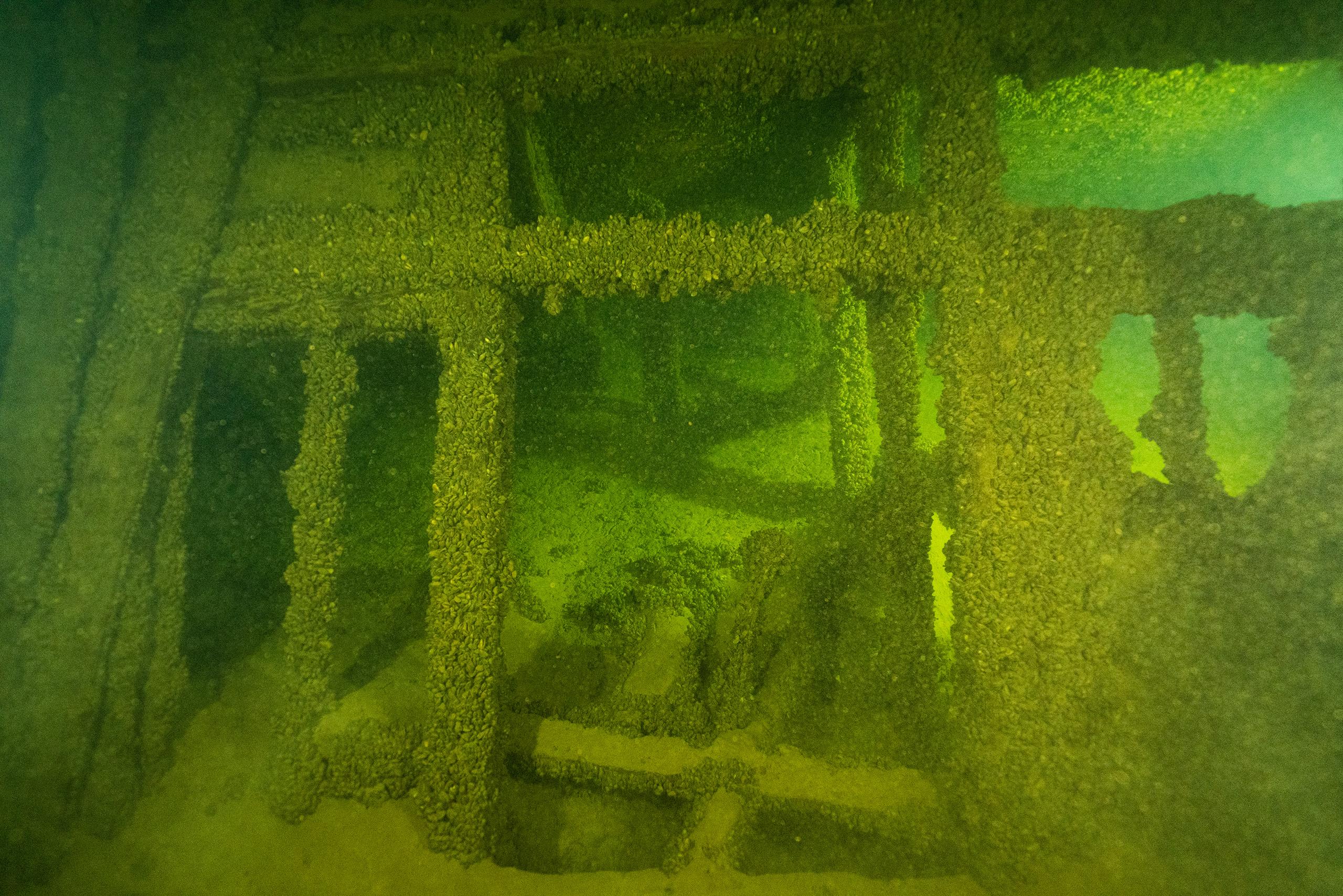 Водолазы надеются поднять на поверхность фрагменты корабля или вещи с него, чтобы передать в музей