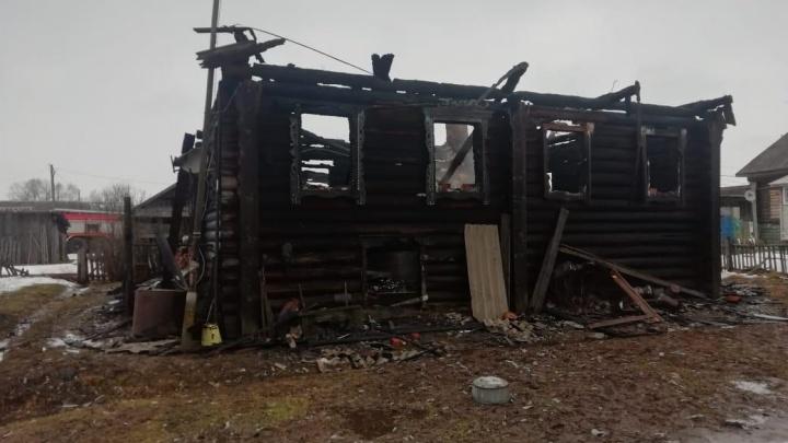 Спасти было некому: во время пожара в собственном доме погиб одинокий 91-летний дедушка