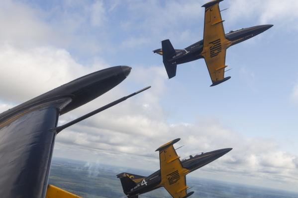 Лётчики продемонстрируют головокружительные манёвры