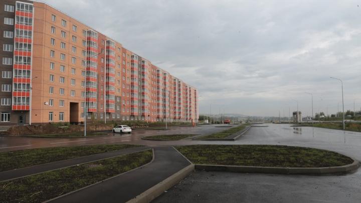 У двух новостроек в Солонцах-2 доделали дороги