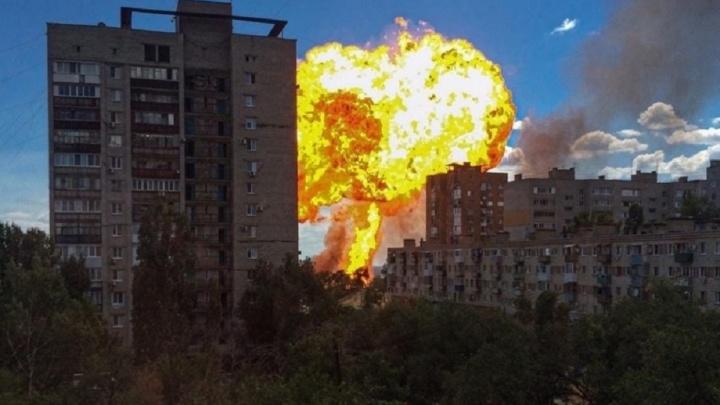 Момент мощного взрыва на АЗС в Волгограде попал на видео