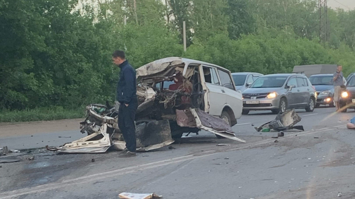 На Красноярском тракте автобус протаранил «Москвич» — водитель легковушки погиб