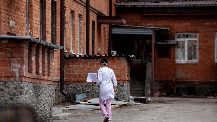 За сутки в Тюменской области выявили 29 новых случаев заражения коронавирусом. Всего — больше 300