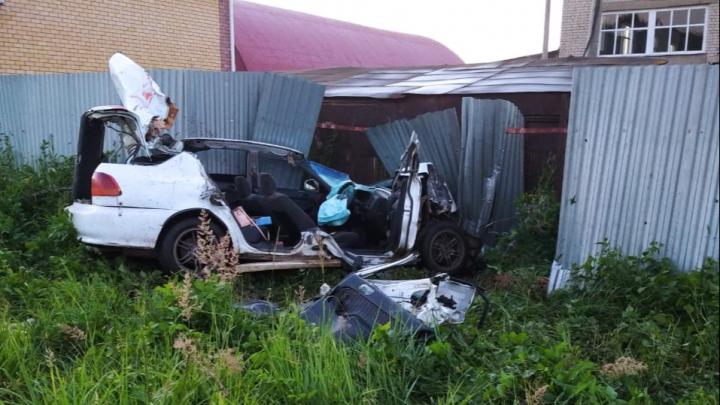 В Павлове три девушки погибли в столкновении с фурой